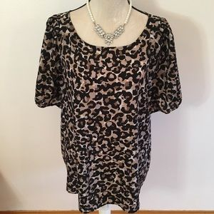 LOFT animal print short sleeve blouse size XL